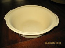 Pampered Chef Stoneware Baking Bowl in Kingwood, Texas