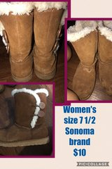 Women's Boots Sonoma brand size 7 1/2 in Cadiz, Kentucky