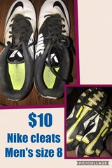 men's Nike Football Cleats Size 8 in Cadiz, Kentucky
