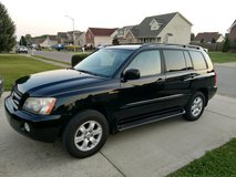 **REDUCED** Toyota Highlander Limited V6 4WD w/ Tow Package. in Fort Campbell, Kentucky