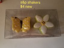 Butterfly and flower salt & pepper shakers in Vacaville, California