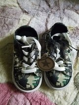 Converse size 5 in New Lenox, Illinois