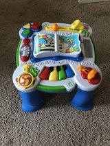 Baby/Toddler Leap Frog table in Fort Belvoir, Virginia