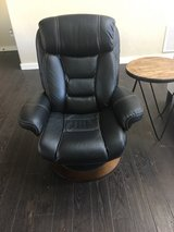 leather chair and ottoman in Alamogordo, New Mexico