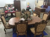Dining room table & china cabinet in Hopkinsville, Kentucky