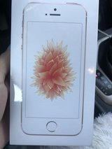 iPhone SE in Glendale Heights, Illinois