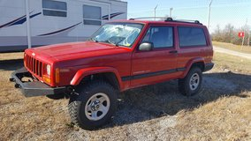 2000 Jeep Cherokee 4x4 in Kirtland AFB, New Mexico