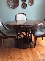 Table & 4 chairs in Westmont, Illinois