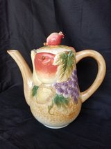 Fruit teapot in Camp Lejeune, North Carolina