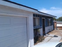 Great Family Home Oceanside 3 bed 1 ba with 1 car garage large fenced backyard 10 min to Base fr... in Camp Pendleton, California