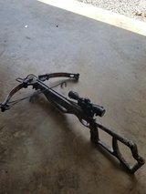 Parker enforcer crossbow with 4 arrows in Fort Knox, Kentucky