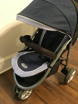 Car seat/stroller set in Camp Lejeune, North Carolina