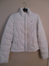 Women's White Hollister Down Puffer Ski Coat sz M S in Westmont, Illinois