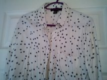 cropped  blouse  size 8 in Lakenheath, UK