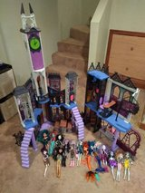 Monster High Deadlux Castle doll house and Dolls in Aurora, Illinois