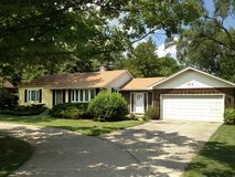 Home For Rent in Darien in Bartlett, Illinois