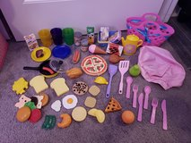 Play Food , Kitchen Stuff & Chef Hat in Fort Campbell, Kentucky