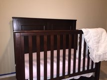 Full size bed frame that can convert to a crib and a daybed in El Paso, Texas