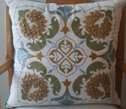 Decorative Pillows (6) in Naperville, Illinois