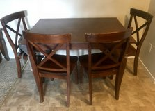 Table and 4 chairs in Vacaville, California