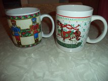 2 Christmas mugs in Warner Robins, Georgia