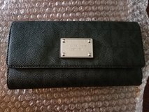 Authentic Michael Kors checkbook wallet in Hopkinsville, Kentucky
