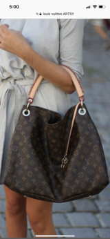Louis Vuitton Artsy MM in The Woodlands, Texas
