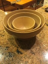 Vintage Roseville Mixing Bowls (3) in Macon, Georgia