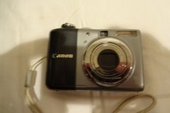 Cannon PowerShot A1000IS,10MP Digital Camera with 4x Optical Image Stabilized Zoom (Grey) in Okinawa, Japan