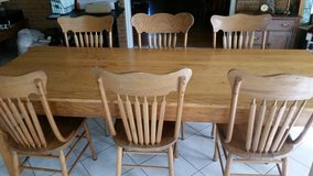 Farmhouse table + 6 chairs in Chicago, Illinois