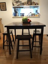 Elevated Dining Room Table W/ 4 Stools in Bolling AFB, DC