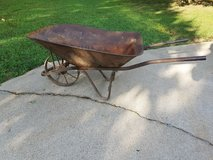 Antique 8 Spoke Steel Wheel Wheelbarrow in Fort Leonard Wood, Missouri