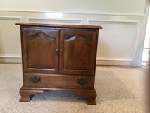 Ethan Allen end table in Kingwood, Texas