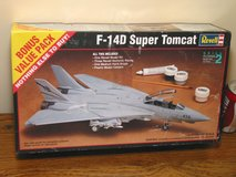 Revell F-14D Tomcat Fighter Jet Plastic Model Kit 1:48 Scale in Westmont, Illinois