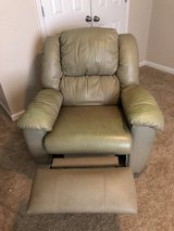 Leather Recliner in Fort Rucker, Alabama