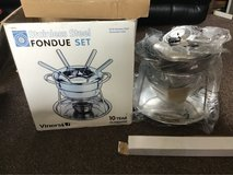 stainless steel fondue set in Lakenheath, UK