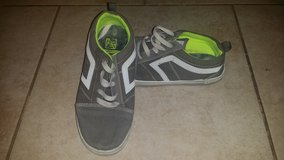 Boy Shoes Size 2 in 29 Palms, California