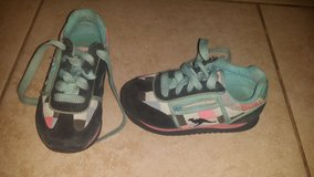 Girl shoes Size 9 in 29 Palms, California