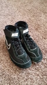 Nike Teens/Mens Wrestling Shoes Size 8.5 in Joliet, Illinois