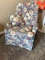 Floral Swivel Rocker in Springfield, Missouri