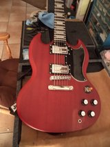 Epiphone G-400 Faded in Yucca Valley, California