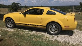 2006 Ford V6 Mustang in Fort Leonard Wood, Missouri