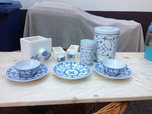 Vintage Saucers & Cups, Tins & Drawers (onion pattern) in Ramstein, Germany