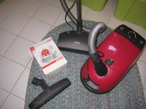 Miele Red Star Compact Canister Vacuum w/Electric Power Nozzle - 110V in Ramstein, Germany