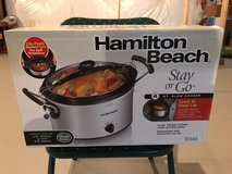 Hamilton Beach Stay or Go 4qt Slow Cooker New in Box in Batavia, Illinois