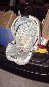 FREE Graco snugride infant car seat carrier in Joliet, Illinois