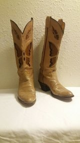 Tony Lomas Cowgirl boots 7.5 in Yucca Valley, California