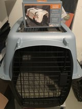 Pet Crate w/Pad and Safety Strap - Brand new in Stuttgart, GE