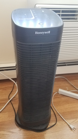Honeywell air purifier hfd320 in Glendale Heights, Illinois