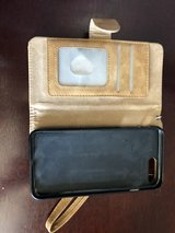 Cell phone wallet in Fort Leonard Wood, Missouri